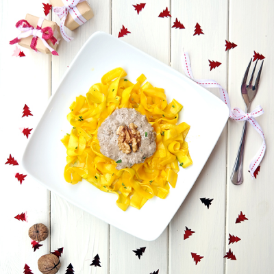 Courgette Tagliatelle With Mushrooms & Walnut Sauce